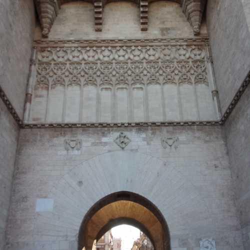 Ворота Серранос, Испания