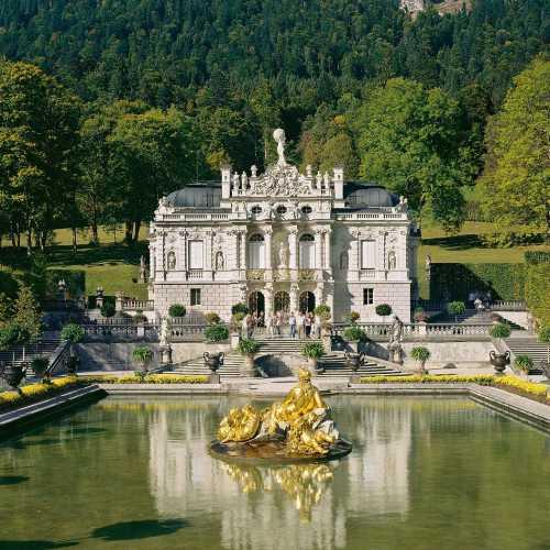 Один из прекраснейших дворцов Людвига Баварского.
