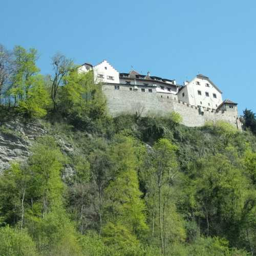 Замок князей Лихтенштейн в столицеВадуц