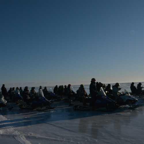 На снегоходах по льду Байкала. Байкальский Экспедиционный Корпус (БЭК) спасибо!