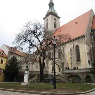 Братислава.