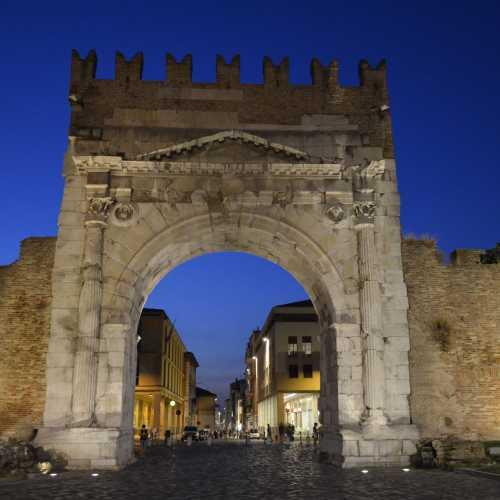 Римини.