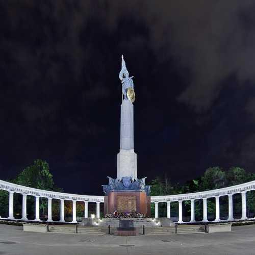 Мемориал Советским солдатам в Вене, Austria
