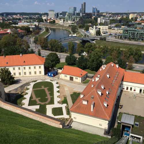 Вид на национальный музей Литвы от старого замка