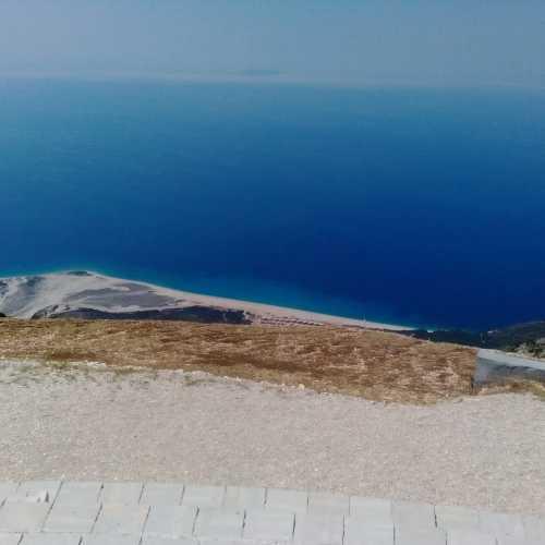Ионическое море в Дерми.