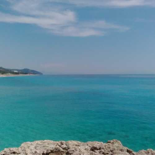 Море в Дерми.