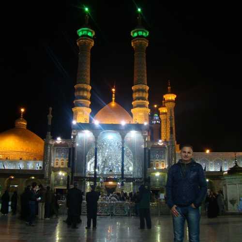 Мечеть Хазрат-е Масуме.<br/> Внутри находится гробница Фатимы Масуме, сестры имама Резы.