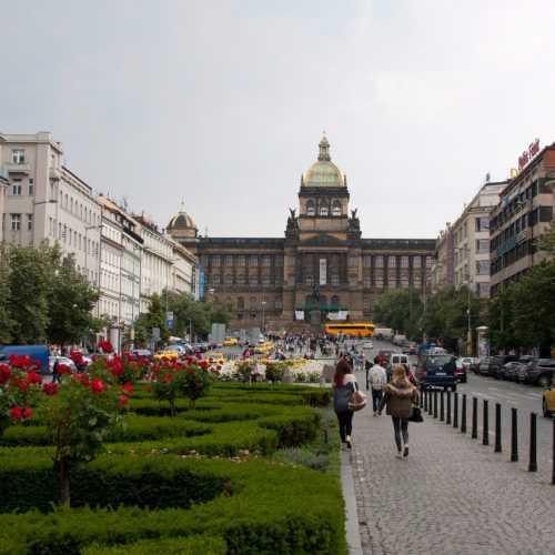 Вацлавская площадь, вид на Исторический музей