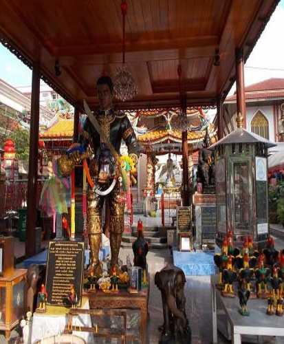 Храм Интхаравихан, Thailand