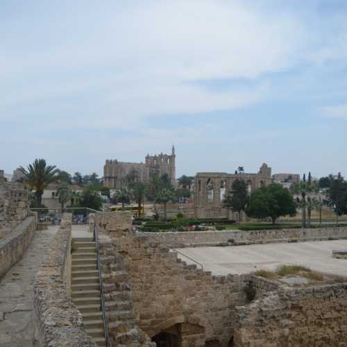 Замок Отелло
