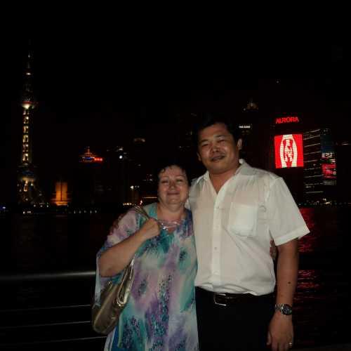 Шанхай, наш переводчик, Саша.