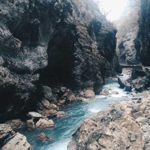 Чегемская теснина. Самое протяженное (более 40 км) ущелье в Кабардино-Балкарии.