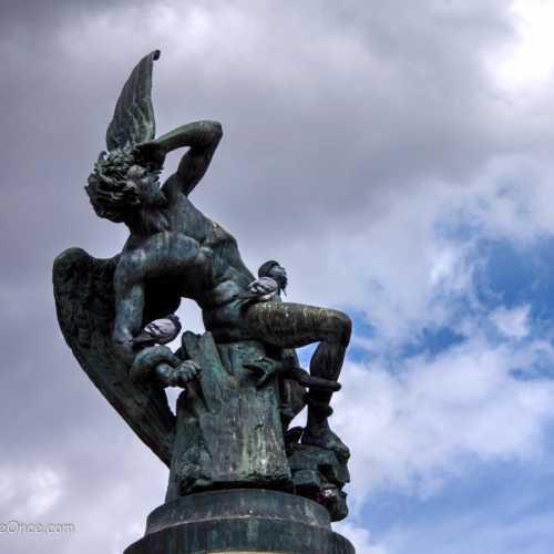 Fallen Angel, Spain