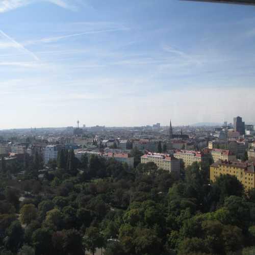 Вена. Вид из кабины колеса обозрения Ризенрад. (18.09.2014)