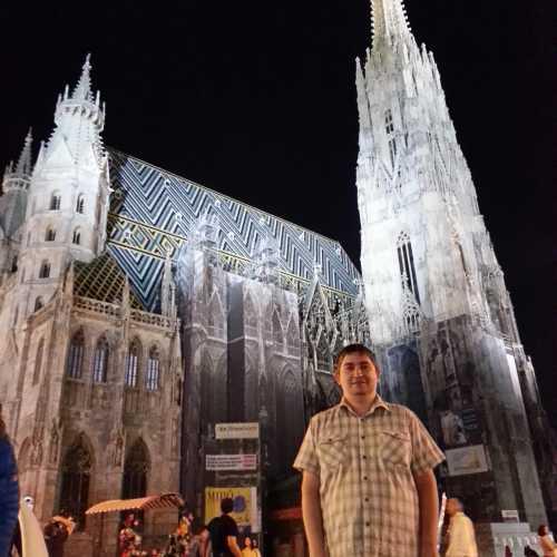 Вена. Я у Собора Святого Стефана. (17.09.2014)