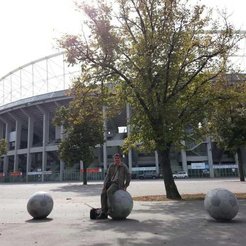 Вена. Я у стадиона Эрнста Хаппеля. (18.09.2014)