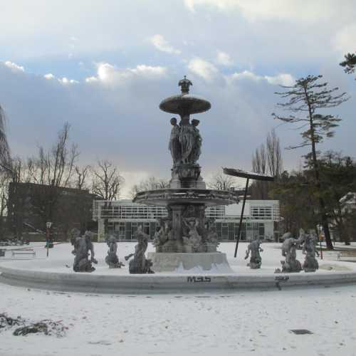 Грац. Городской парк. Фонтан императора Франца Иосифа. (05.01.2017)