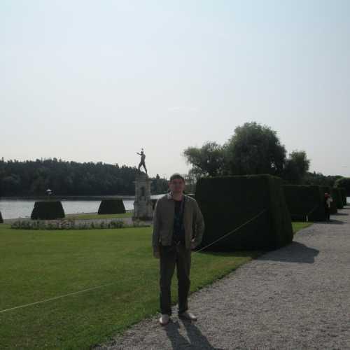 Стокгольм. Я около дворца Дроттнингхольм. (12.07.2013)
