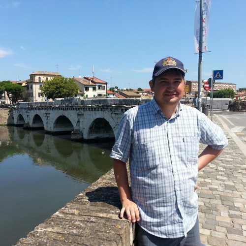Римини. Я у моста Тиберия. (17.07.2014)
