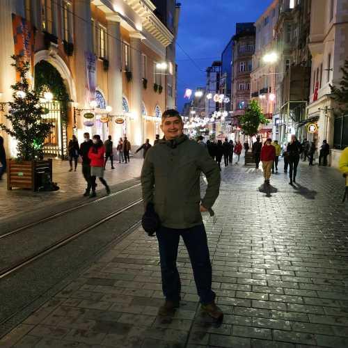 Стамбул. Я на улице Истикляль. (05.11.2020)