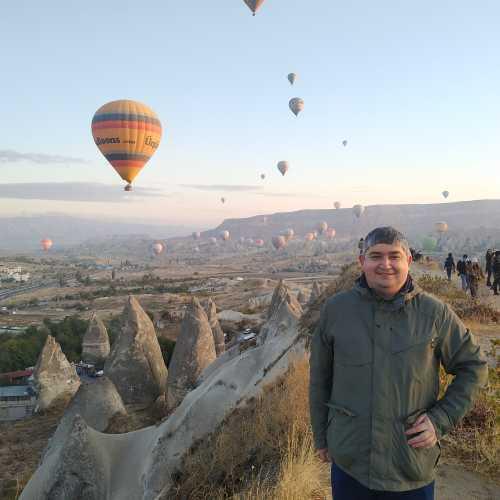 Гёреме. Я и вид на воздушные шары в Каппадокии. (07.11.2020)