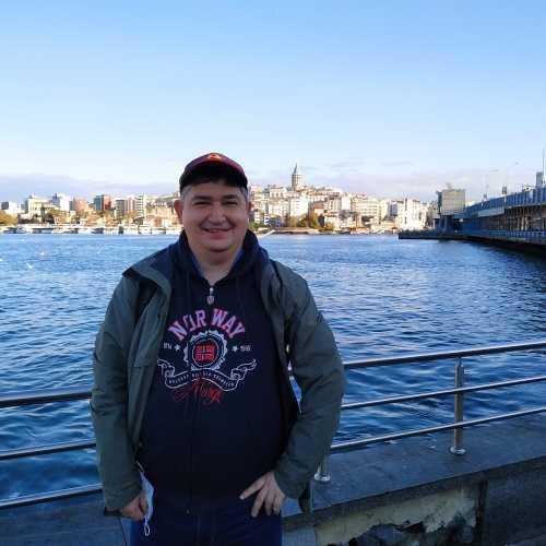 Стамбул. Я около Галатского моста. (08.11.2020)