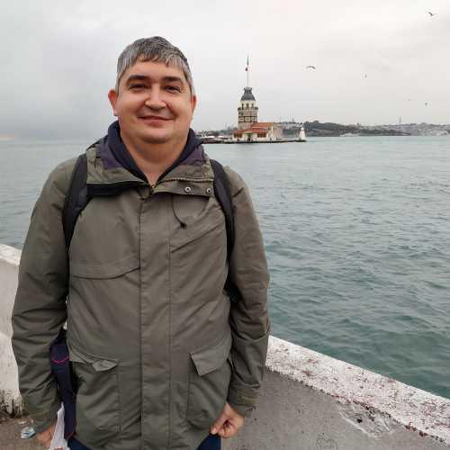 Стамбул. Я и вид на Девичью башню с набережной Ускюдар. (07.11.2020)