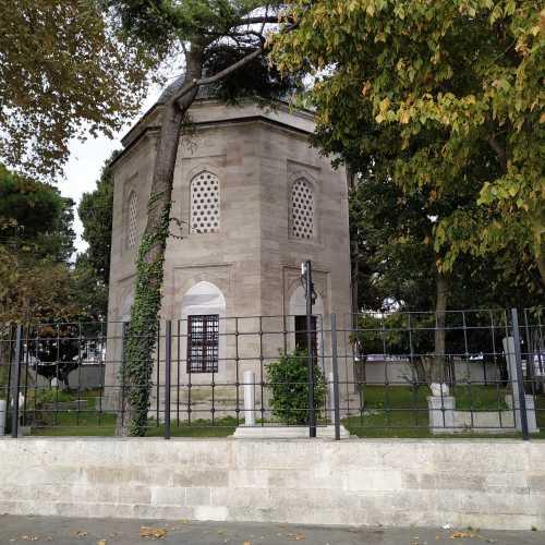 Стамбул. Гробница Хайреттина-паши Барбарос. (08.11.2020)