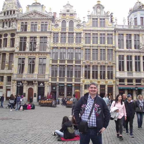 Брюссель. Я на площади Гранд-Плас. (30.04.2017)