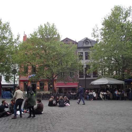 Брюссель. Площадь Святой Екатерины. (30.04.2017)