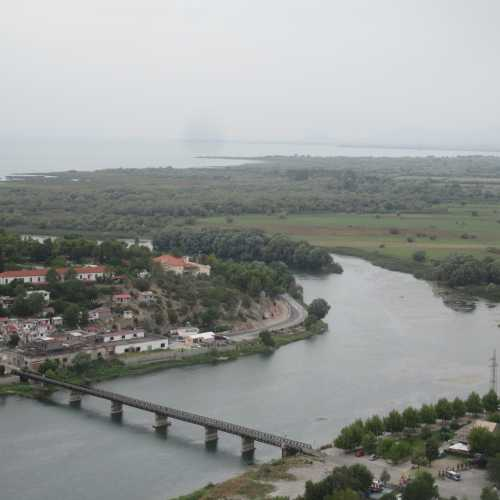 Вид на реку Буна и Скадарское озеро с крепости Розафа. (05.09.2015)