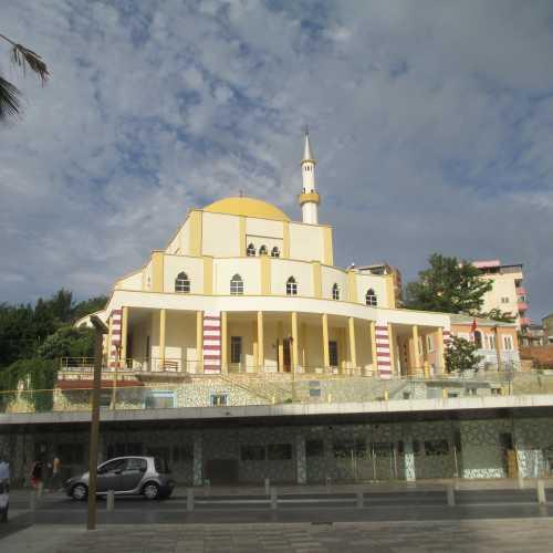 Дуррес. Новая мечеть. (06.09.2015