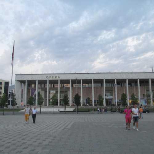 Тирана. Дворец культуры. (05.09.2015)