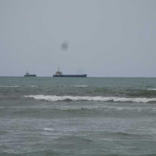 Вид с пляжа Дурреса. (06.09.2015)