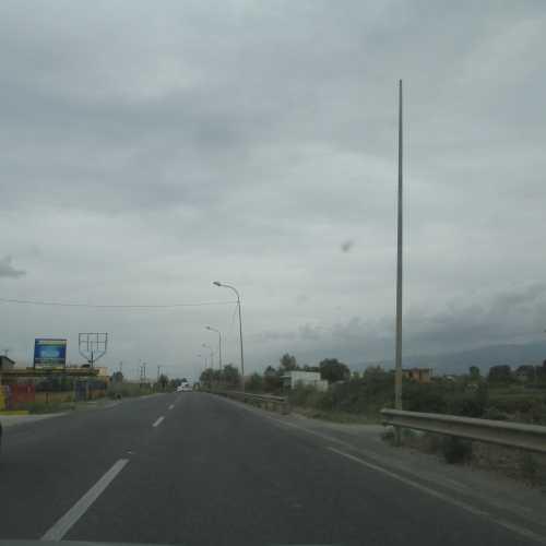На дороге в Шкодер. (06.09.2015)
