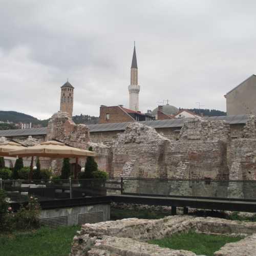Сараево. Остатки караван-сарая Ташлихан. (07.09.2015)