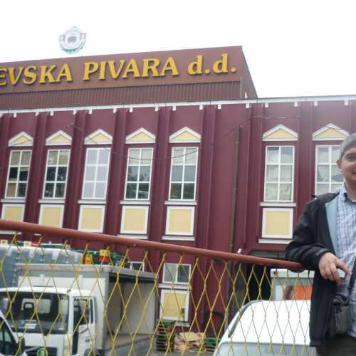 Сараево. Я у здания Сараевской пивоварни. (07.09.2015)
