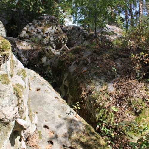 Рачейские скалы, Russia