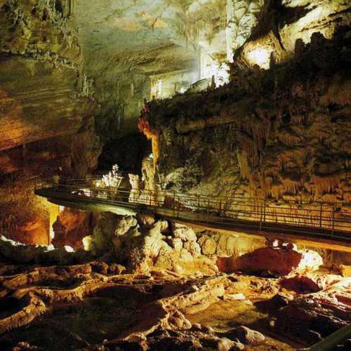 Jeita grotto. Caves system near Beurut.<br/> Пещеры Джетта. Недалеко от Бейрута.