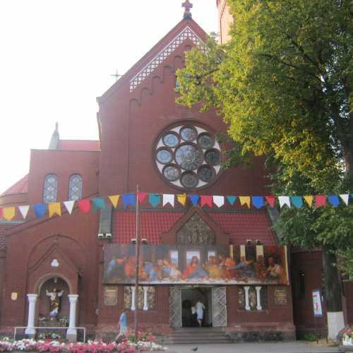 Church of Saints Simon and Helena, Belarus