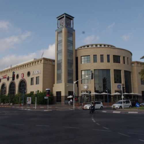 Торговый центр Холона.