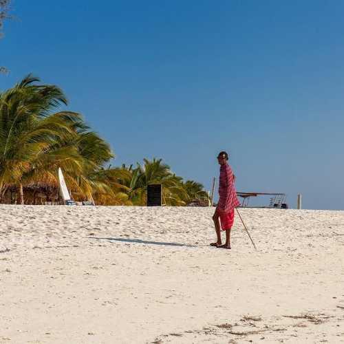 Один из смотрителей на пляжах… представитель местного племени Масаи zanzibar island ocean africa stonetown #африка #остров #занзибар