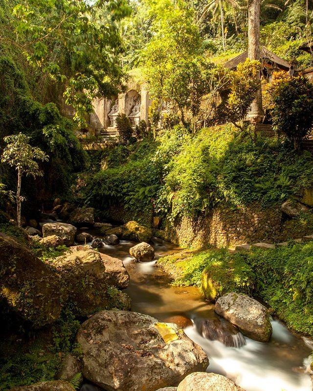 Очень красивое место Gunung Kawi