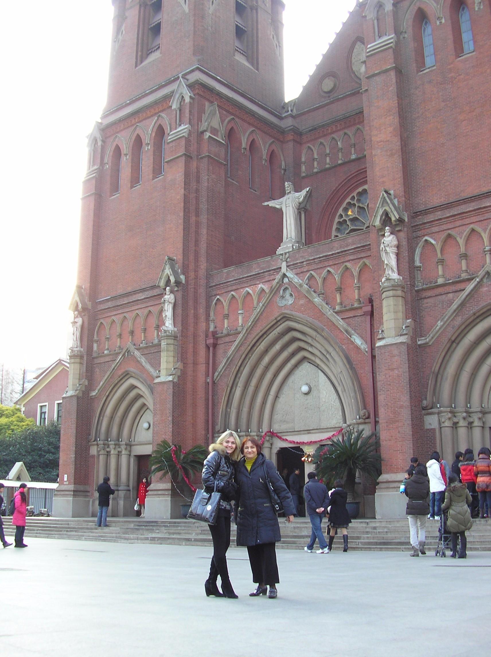 Католицький храм в Шанхаї