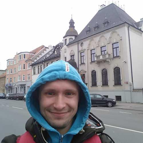 Я у здания времен прусской эпохи.