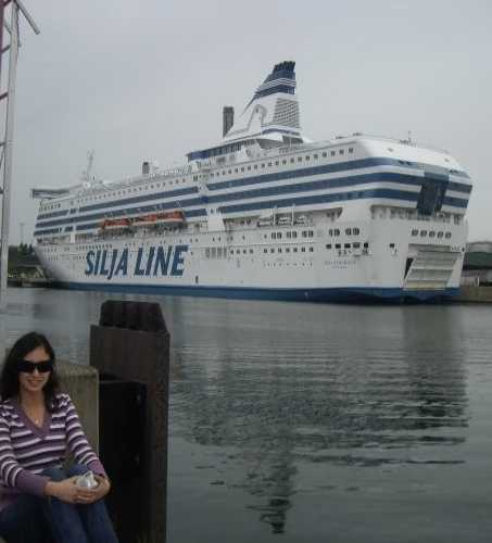 Восемь часов паромом и из Хельсинки вы оказываетесь в Стокгольме. Две столицы, две северные сказки)