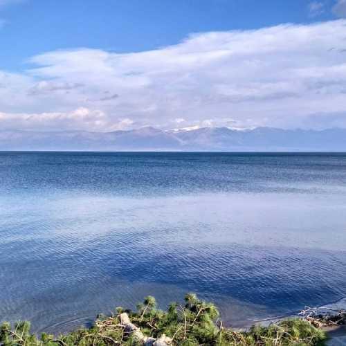 озеро Севан со стороны Мартуни