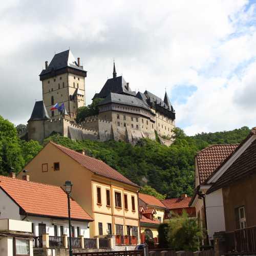 Замок и городок Карлштейн