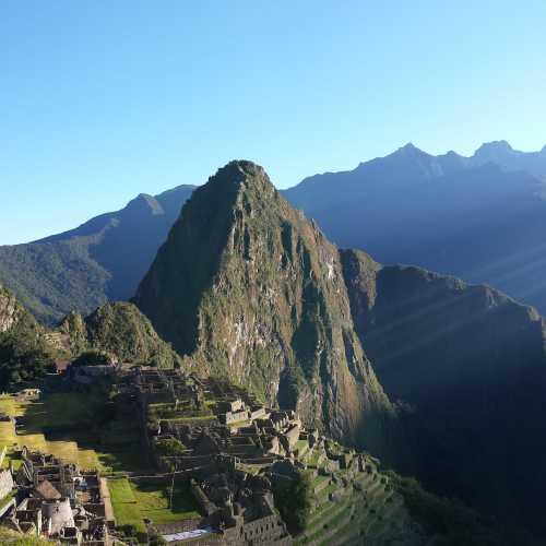 6 утра — время лучших ракурсов для Мачу-Пикчу. Первые лучи солнца