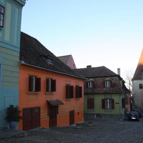 Домики и башни крепости «Верхнего города».